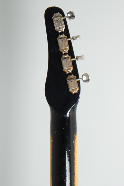 Silvertone Model 1444 Electric Bass Guitar, made by Danelectro  (1965)