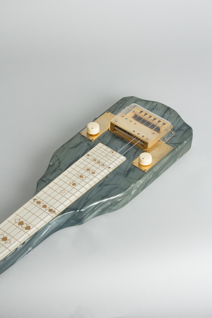Bronson Singing Electric Lap Steel Electric Guitar, made by Valco  (1952)